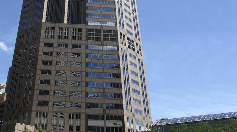ComEd Awards Largest Energy Incentive Check in History for Chicago Commercial Building